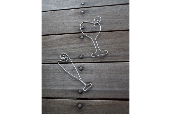 wire wine glass shapes