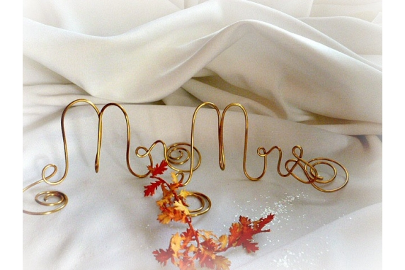 mr mrs table sign weddings