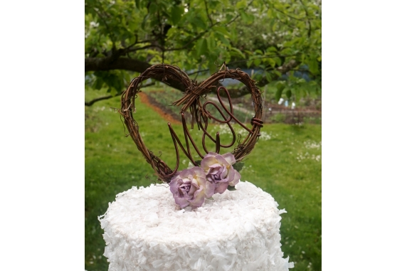 grapevine cake topper with letters