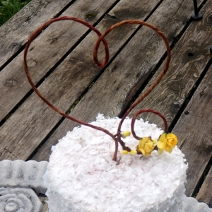 grapevine heart cake topper