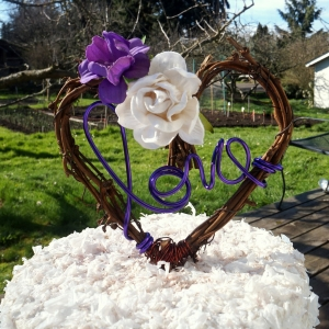 vine love topper with flowers