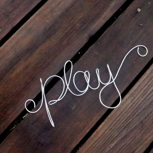 PLAY WALL SIGN