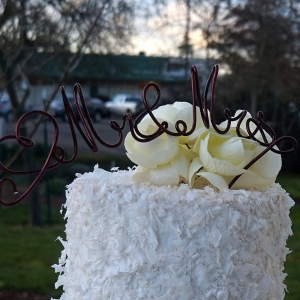 Mr & Mrs Topper With Heart, Wire Cake Topper, Rustic Metal Caketopper