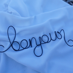 bonjour wire sign