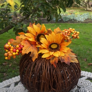 pumpkin sunflower centerpiece