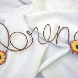 personalized grapevne sign with sunflowers