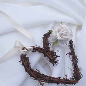 """Adorable rustic pew """"bows"""""""